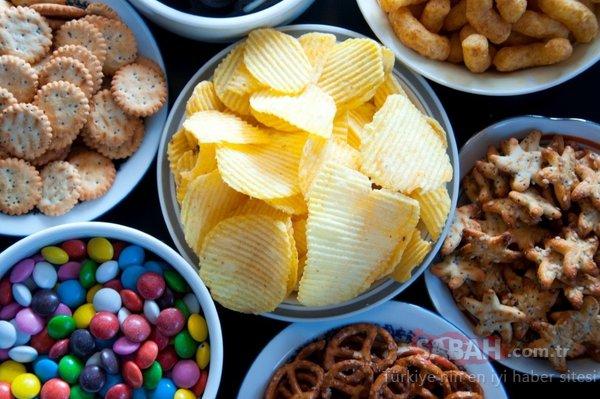 Bu besinler beyni bitiriyor! İşte zehir listesi...