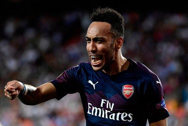 Arsenal finale çıktı, Mesut Özil'in o hareketi geceye damga vurdu
