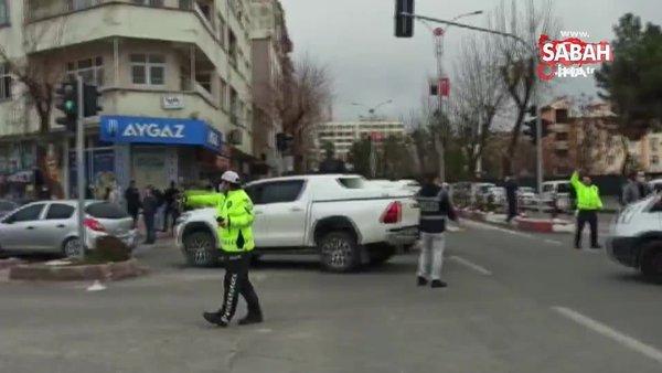 Son dakika! Sokak ortasında kurşun yağdırdı, 3 kişi hayatını kaybetti   Video