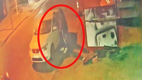 Son Dakika Haberi: İstanbul'da skandal görüntüler! Yol kesip araçtan indirdiği genç kadını... | Video