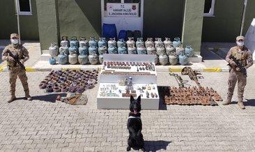 Teröristlerin Yüksekova'da mühimmat deposu imha edildi