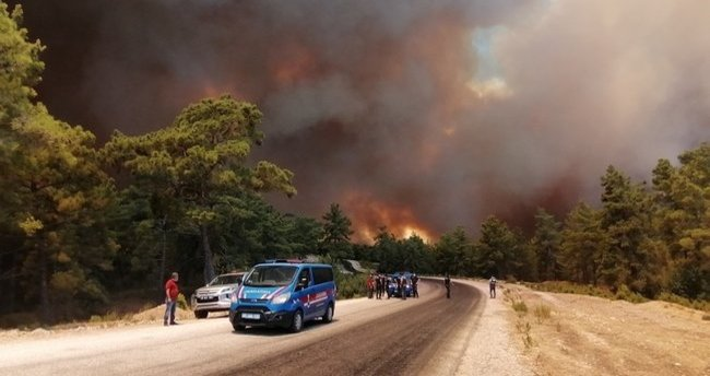 Tarım ve Orman Bakanı Bekir Pakdemirli açıkladı: 6 uçak ve 45 helikopter görevde!