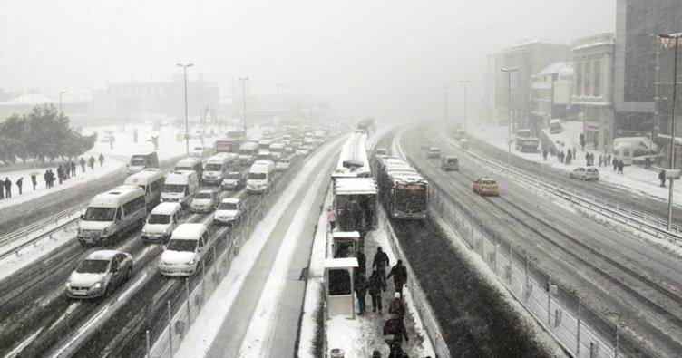 Meteoroloji İstanbul'a ne zaman kar yağacak? sorusunu yanıtladı! İstanbul'da kar yağışı için gün verdi