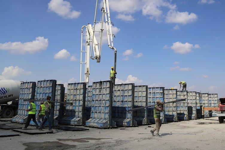 Suriye sınırına güvenlik duvarı örme çalışmaları