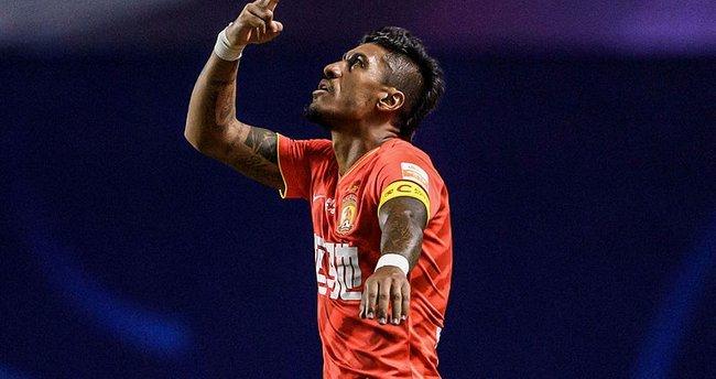 Son dakika: Galatasaray'ın hedefindeki Paulinho transfer ateşini yaktı! Fatih Terim'in fotoğraflarına…
