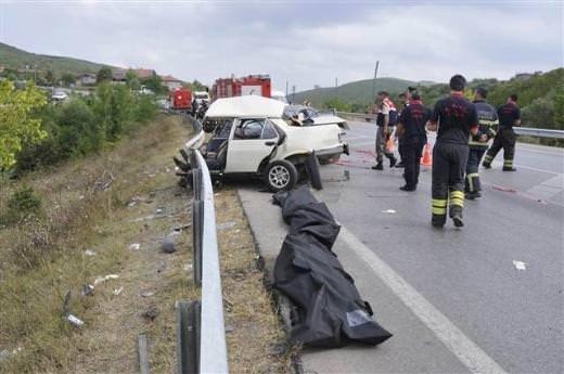 İzmit'te feci kaza