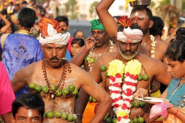1,5 milyon Hindu Thaipusam için buluştu