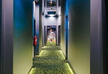 Ronaldo ilk otelini açtı!