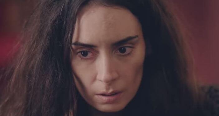 Kırmızı Oda Alya karakterinin hikayesi bitiyor mu, Melisa Sözen diziden ayrılacak mı? Alya'nın gerçek adı ne, İstanbullu Gelin'in Yaz'ı aynı kişi mi?