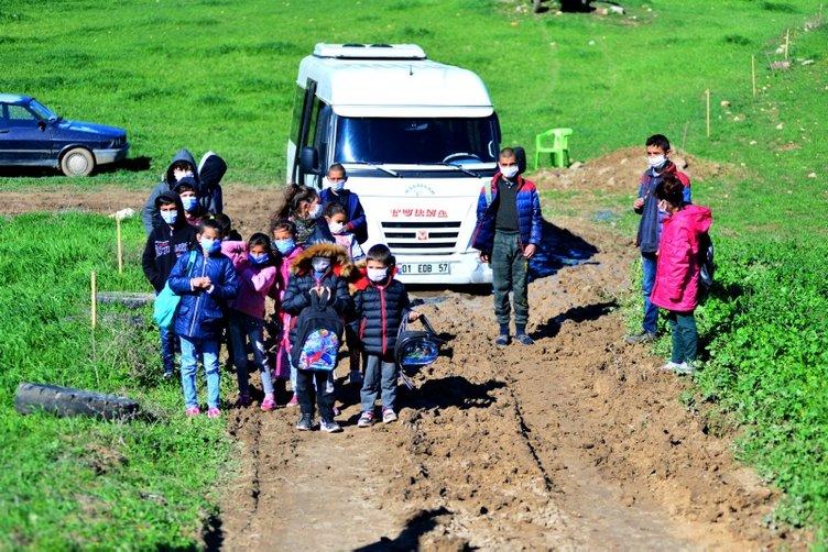 Son dakika: Adana'da bir garip inat! Hastalar mahsur, öğrenciler okula gidemiyor, mahalleli isyanda...