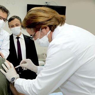 Yerli koronavirüs aşısında son dakika: Çalışmaların başındaki isim adım adım tarih verdi! Tüm detaylara SABAH ulaştı