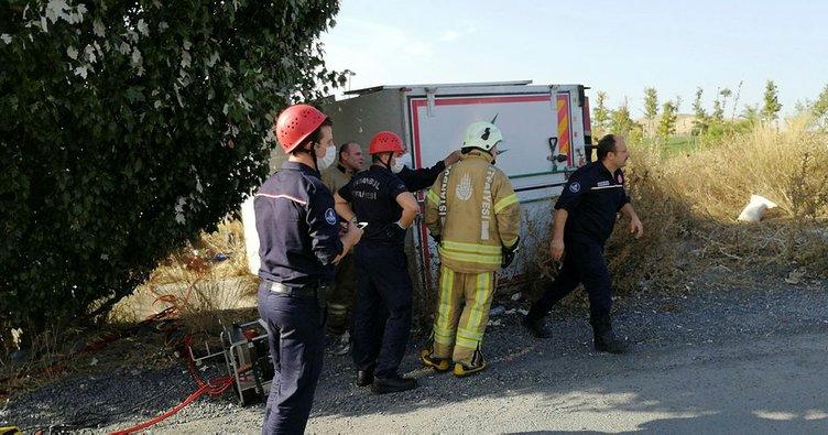 Freni boşalan kamyonetin altında kalan şoför öldü