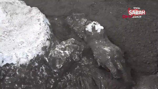 İtalya Pompeii'deki kazıda efendi ve kölesinin 'neredeyse mükemmel' korunmuş kalıntıları bulundu   Video