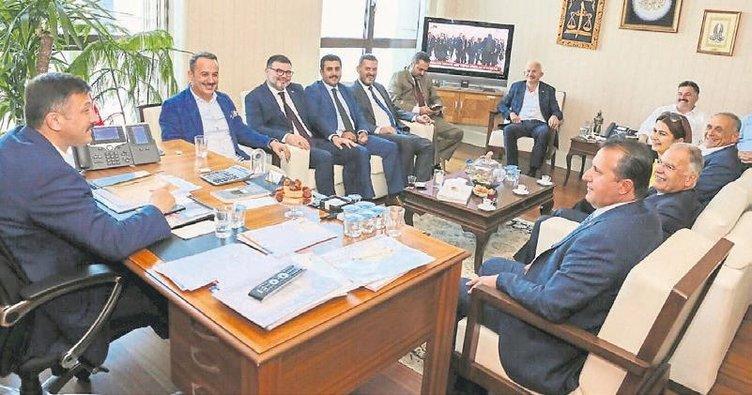 İzmir'in sorunları masaya yatırıldı