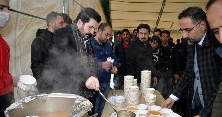 Savcı Sayan Ağrı'daki göçmenlere çorba dağıttı