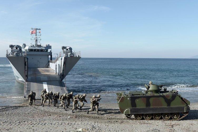 Deniz Kuvvetleri'nden gözdağı
