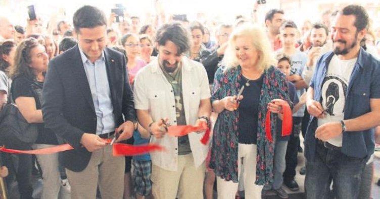Barış Manço sergisi açıldı