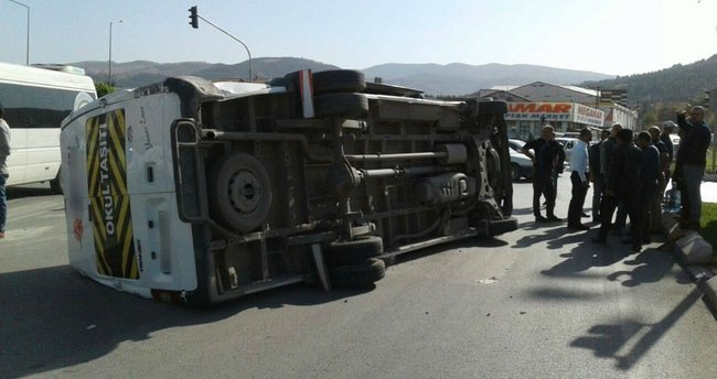 112 ekibi kaza yaptı: 6 yaralı