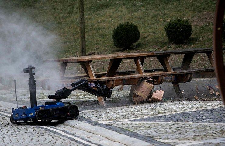 YERLİ VE MİLLİ BOMBA İMHA ROBOTU 'ERTUĞRUL' GÖREV BAŞINDA