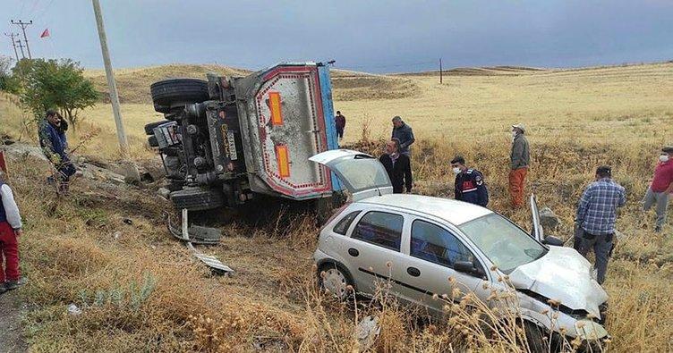 Konya'da TIR ile otomobil çarpıştı: 2 yaralı