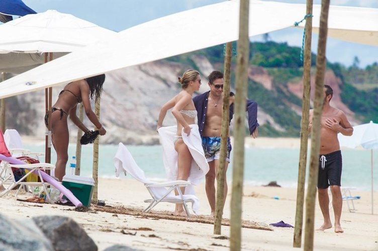 Kate Moss ve Naomi Campbell Brezilya sahillerinde