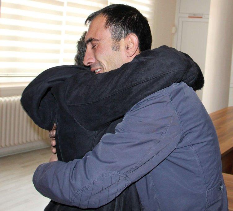 3 aylıkken ayrıldığı oğluna 34 yıl sonra kavuştu