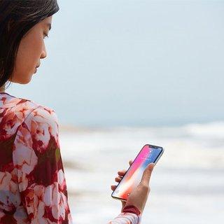 iPhone X, Türkiye'de ilk kullanıcılarıyla buluştu
