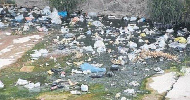 İzmir'in dereleri çöplüğe dönüştü