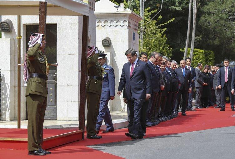 Başbakan Davutoğlu Ürdün'de