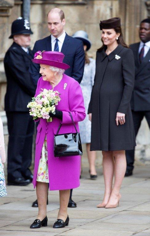 İngiliz Kraliyet ailesinin uymak zorunda olduğu tuhaf kurallar!