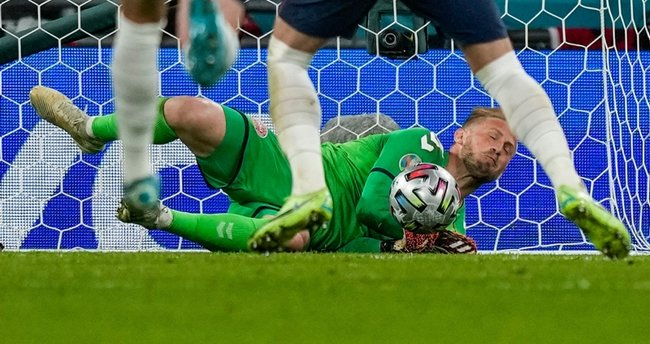 Son dakika: UEFA'dan İngiltere'ye 30 bin Euro para cezası
