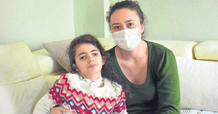 Ela Naz ile annesi yardım bekliyor