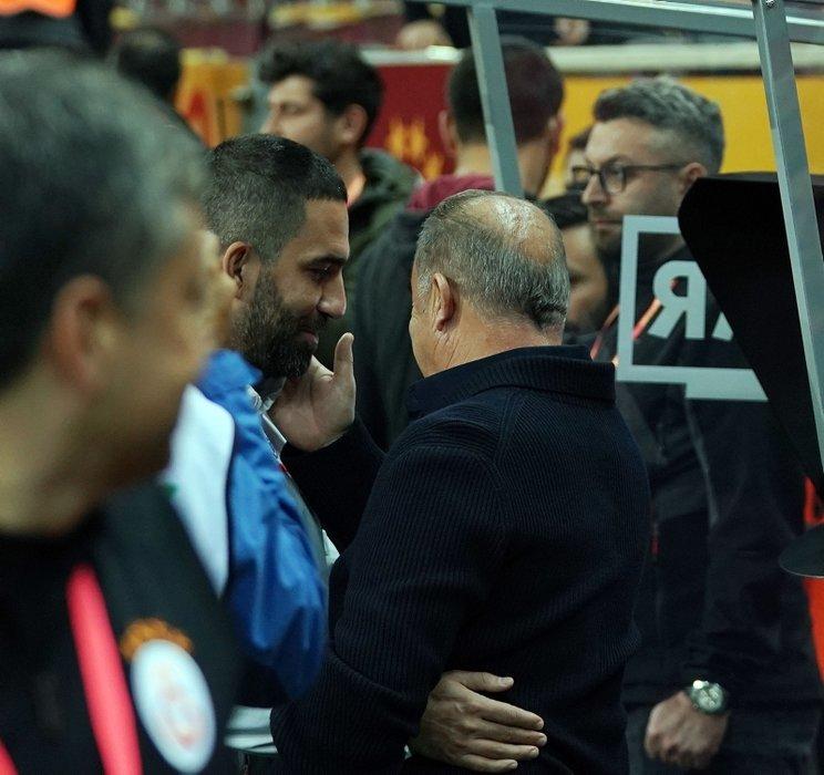 Galatasaray - Başakşehir maçına o anlar damga vurdu! Fatih Terim ve Arda Turan...