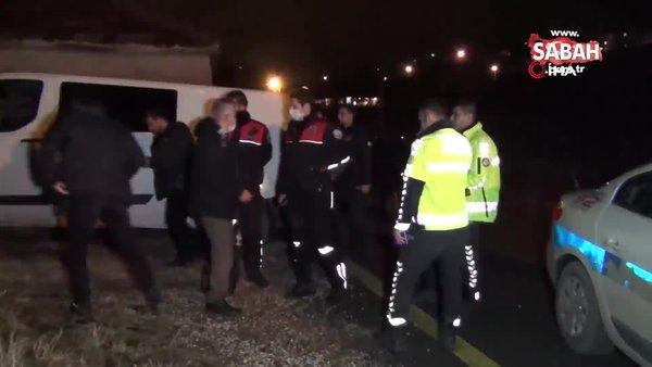 Kırıkkale'de polisin 'dur' ihtarına uymayan araçtan atılan poşetten 2 kilogram uyuşturucu çıktı | Video
