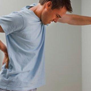 Böbrek ağrısı üşütme belirtisi mi? Böbrek ağrısı neden olur, nasıl geçer?