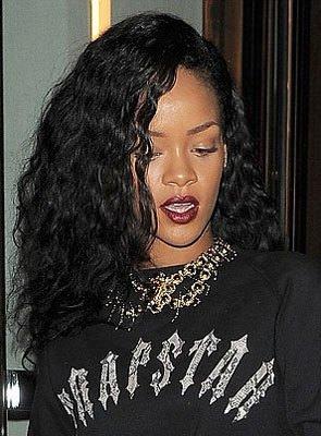 Rihanna'nın çılgın saçları