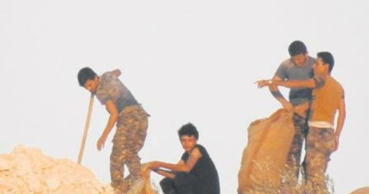 7 YPG'li terörist ÖSO'ya teslim oldu