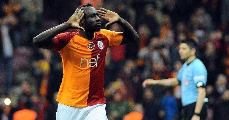 Galatasaray'da Younes Belhanda kalıcı, Mbaye Diagne gidici