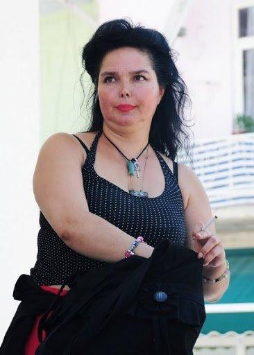 Perihan Abla'nın yıldızı Songül Ülkü'den ortalığı karıştıracak iddia! 'Özcan Deniz bana aşıktı çıplak fotoğraflarımı çekip…'