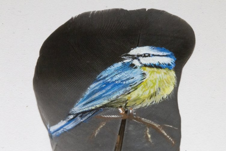 Doğu'nun kültürünü çekirdek ve güvercin kanadında yaşatıyor
