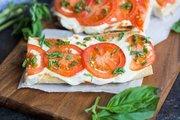 Beyaz Peynirli Domatesli Fesleğenli Tost Kaç Kalori?