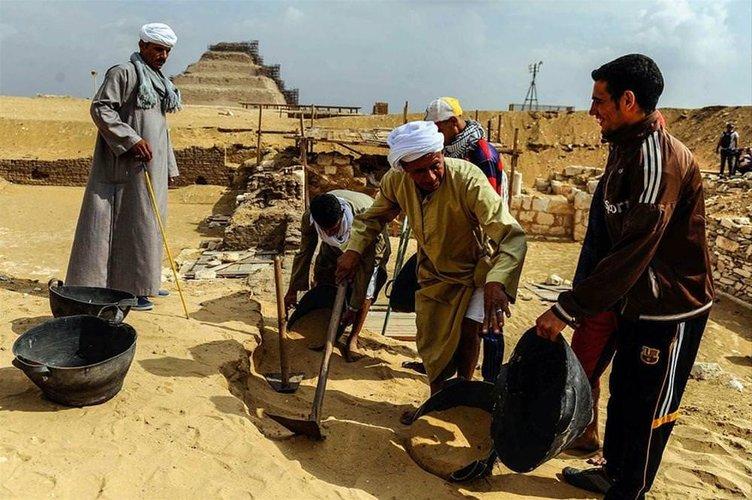 3100 yıllık mezar bulundu