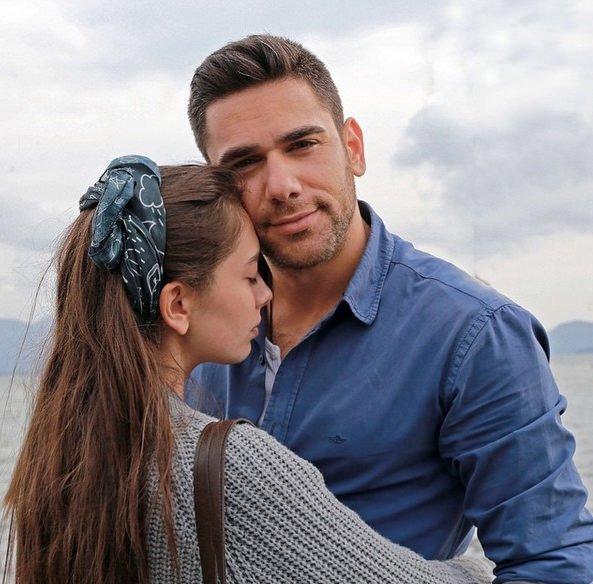 Kadir Doğulu-Neslihan Atagül çiftinden sürpriz nişan