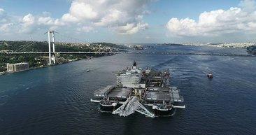 Pionering Spirit gemisi İstanbul Boğazı'ndan geçiyor
