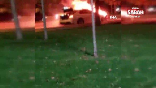 Son dakika! İstanbul Kartal'da park halindeki lüks otomobil alev alev yandı | Video