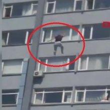 Şişli Hamidiye Etfal Eğitim ve Araştırma Hastanesi'nde bir kişi 6'ncı kattan atladı