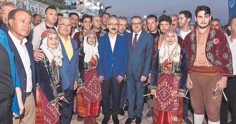 Kızkalesi Turizm Festivali coşturdu