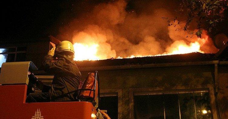 Beşiktaş'ta işyeri yangını