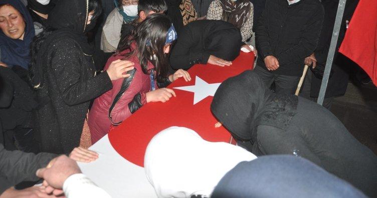 Yüksekova'da sivil şehitler için tören