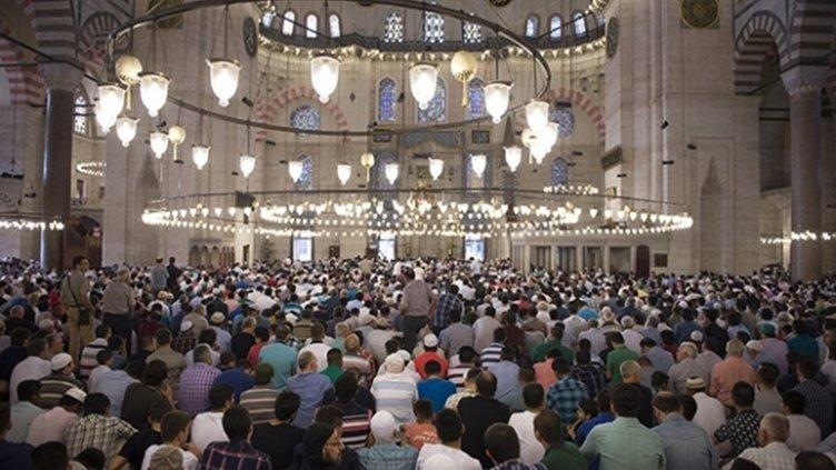 Bayram namazı saat kaçta? 2021 İstanbul, Ankara, İzmir bayram namazı saati ve il il Kurban Bayram namazı saatleri açıklandı